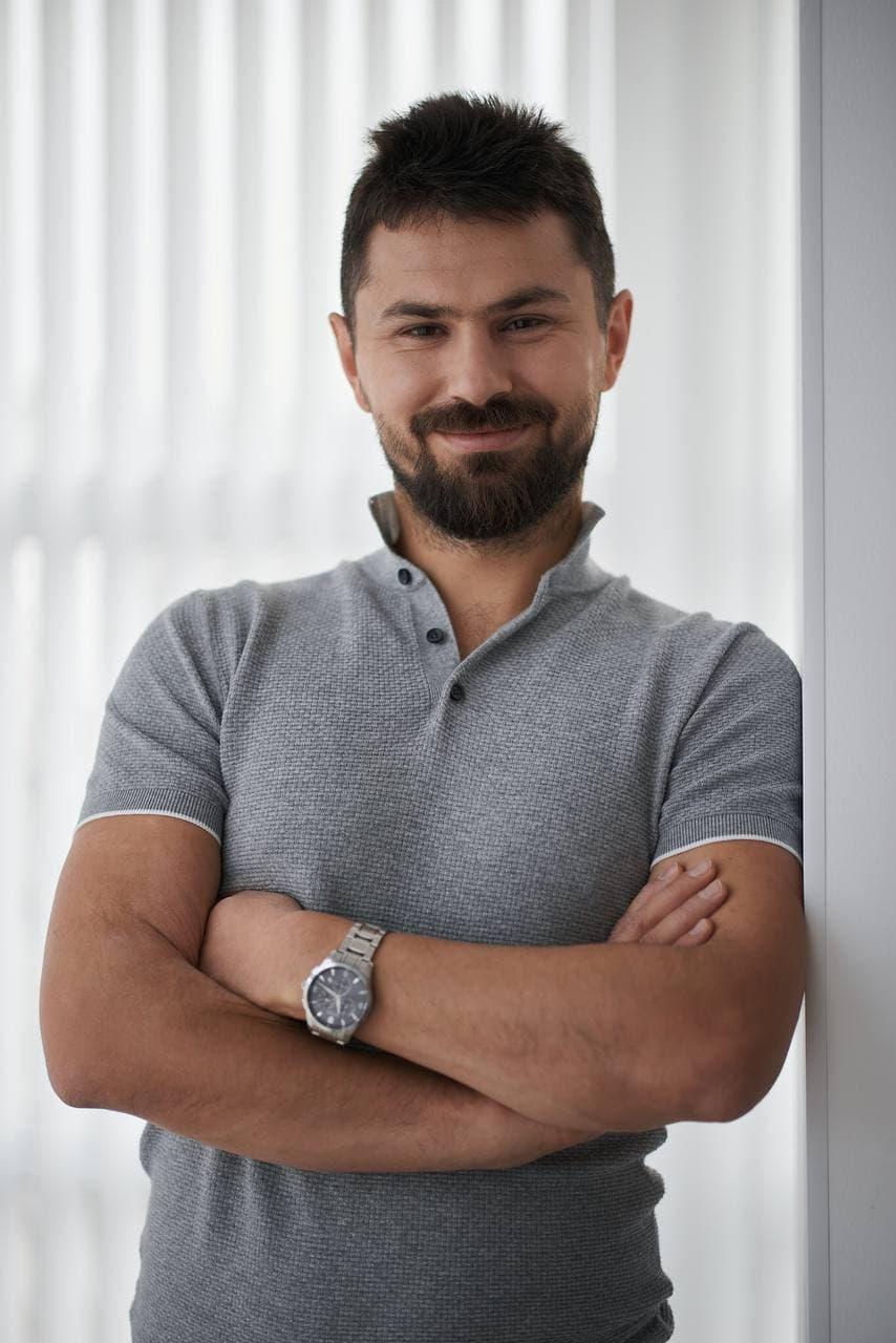 Роман Желтов